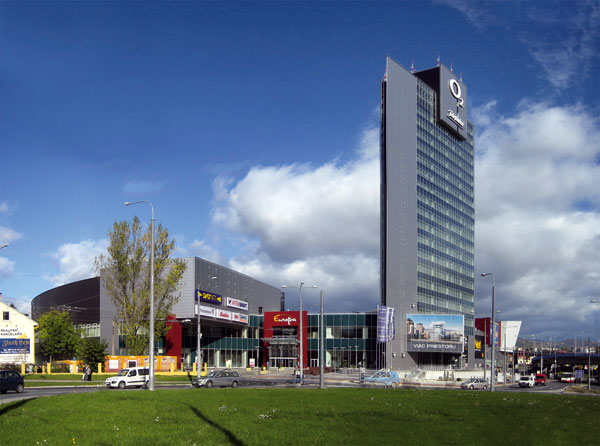 Europa Shopping Center. Europa Shopping   Business Banská Bystrica b7e9f0352b